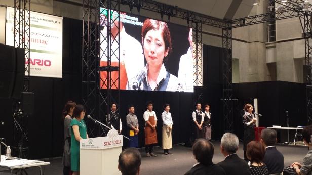 日本冠軍上野智代致詞時一度感動落淚