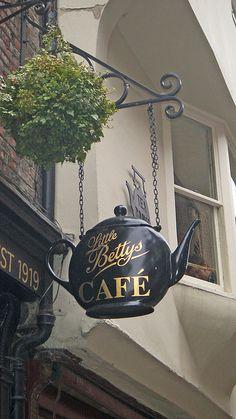 cafe-sign-12