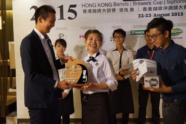 2015香港咖啡虹吸咖啡師大賽 亞軍: Lai Wai Ling (UCC)
